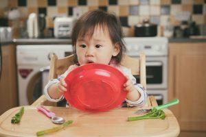 ランチョンマットと食器が一体化!『ezpz』のオールインワン食器が画期的!
