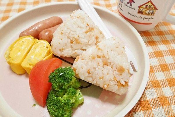 食事のスピードが「速い子・遅い子」その原因と改善方法は?