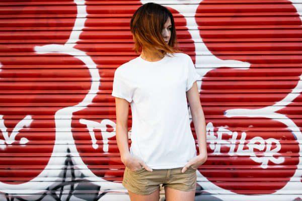"""複数買いもアリ!ユニクロの""""高見えTシャツ""""はもうゲットした?"""