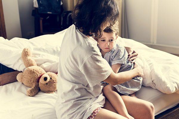 子供は大人よりも悪夢を見やすい!?ピークは6歳!寝るのを嫌がるほどの『怖い夢』ママはどうしたらいい?
