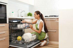 """食洗機は""""贅沢品""""!?夫たちが購入を反対するワケとは"""