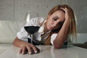 酒好きでなくても要注意!『キッチンドリンカー』の主婦が増加傾向に!?