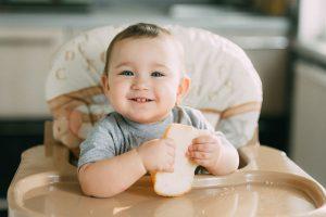 【離乳食中期】『パン』はいつからOK?選び方とおすすめ3選